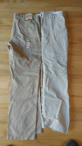 Old Navy Pants 34x34. Tags still on one pair