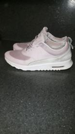 Nike thea trainers