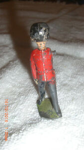 Antique Lead British Regiment Soldier Lot2