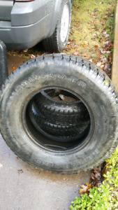 One LT 245/75R16 M+S