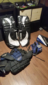 Goalie Equipment - -Youth size