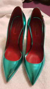Cesario Paciotti pointed Toe Pumps size 7 Brand NEW