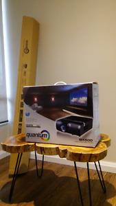 """Quantum Projector QX500 AND 72"""" Screen"""