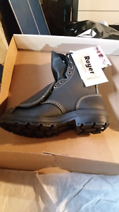 Brand new Size 7 Royer steel toed boots