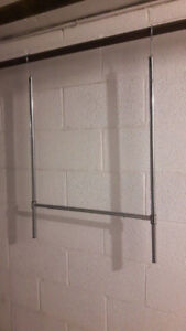 Extendable hanging closet organizing bar for storage or drying