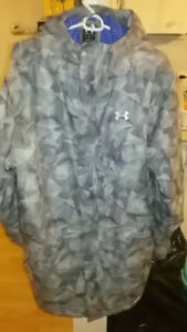 Like new, Mint condition mens under armour Jacket Size XL