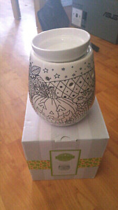 6 Brand New Scentsy Warmers!!