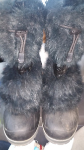 Womens size 8 winter boots