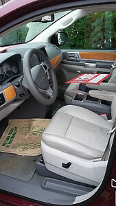 2009 Chrysler Town & Country Limited Fourgonnette Saguenay Saguenay-Lac-Saint-Jean image 5