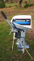 7.5HP EVINRUDE OUTBOARD MOTOR (1982)