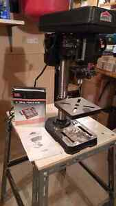 DRILL PRESS WITH VISE AND STAND