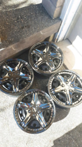 15 inches Hubcaps/Wheel Covers