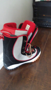 Kemper Size 9 Snowboard Boots. Used twice
