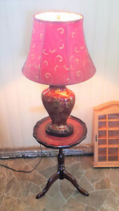 Accent Table with Matching antique lamp and shade