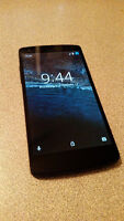UNLOCKED - Nexus 5 Smartphone! (case included)