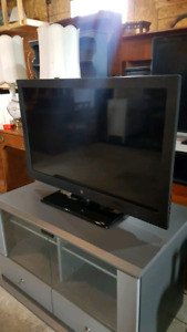 Westinghouse 40 inch TV