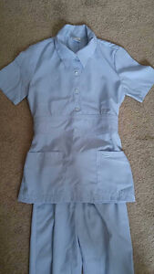Powder blue Deauville Nursing Scrubs/ Uniforme soins infirmiers