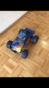 Tamiya tnx 1/8 scale nitro monster truck