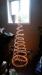 6 ft sprial outdoor chirstmas tree Cambridge Kitchener Area image 1