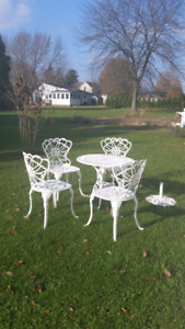 Garden / Patio set ... beautiful condition