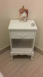 Accent Table ( wood)