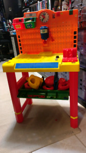 Toddler Tool Bench Excellent Condition