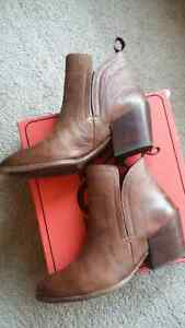 Brand New - Ladies Leather Ankle Boot