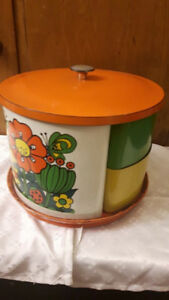 VINTAGE 1970'S 6 PIECE CANISTER SET WITH LID ON LAZY SUSAN BASE