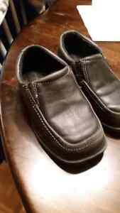 Boys size 9 dress shoes London Ontario image 1