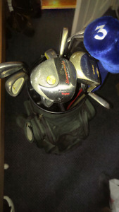 Full size golf bag and some clubs