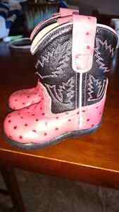 Girls cowboy boots size 4