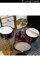 3 piece youth drum set, good condition