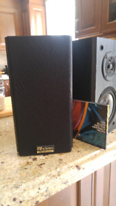Axiom Millennia  bookshelf speakers in great condition