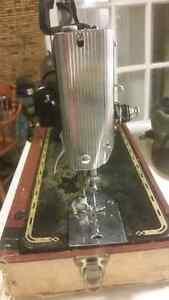 Vintage Singer Sewing Machine Stratford Kitchener Area image 6