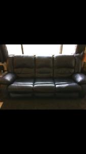Toreno Black leather power recliner