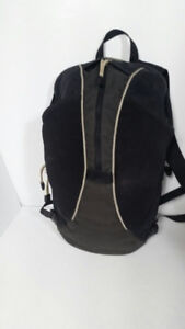 OSPREY - model WAY POINT - ( sac de randonnée ) 15 L