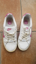 Nike Court trainers - women's size 5