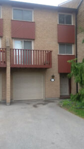 Townhouse for Rent $2400 Close to McMaster University