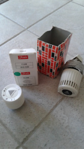 Dunfoss Thermostats&zones heads, 4 actuators...NEW,in boxes