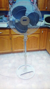 Stand up fan with 3 speed