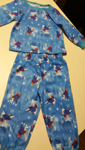 """12 to 18 Months..""""Disney, Frozen"""" Jammie...NEW WITH TAGS"""