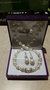 Mother of Pearl Necklace and Ear Rings
