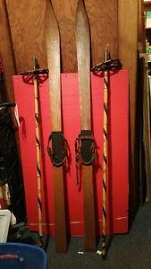 Antique etch Pointed Wood Snow Skis bamboo pole FMMcK