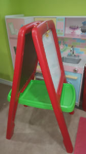 Step 2 Easel (White/Chalk Board) for Two