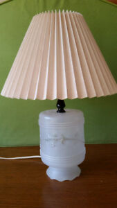 Vintage antique table lamp $15
