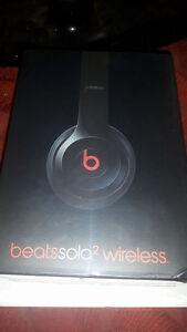 Beats by Dr. Dre Solo 2 Bluetooth Wireless Headphone Big Sale Cambridge Kitchener Area image 1