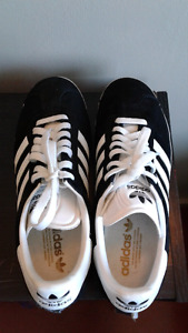 ADIDAS SNEAKERS!!! Size 10