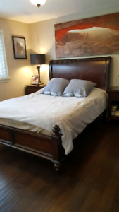 BOMBAY queen size bed for sale