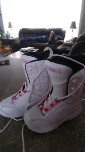 Snowboard boots, ladies size 6
