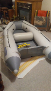 ZODIAC INFLATABLE DINGHY WITH NISSAN MOTOR